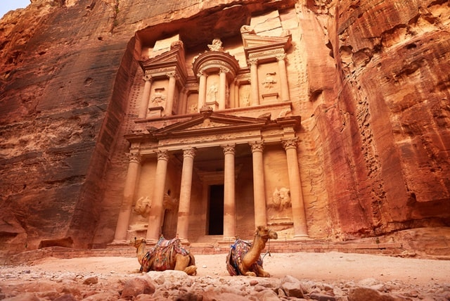 पेट्रा दुनिया के दुनिया के 7 अजूबे में से एक - Petra Is One Of The Seven Wonders Of The World In Hindi