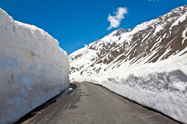 रोहतांग दर्रा के आसपास घूमने की जगह - Places To Visit Near Rohtang Pass In Hindi