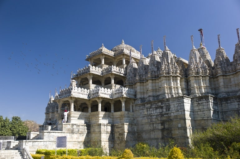 Mount Abu Ka Sabse Prasidh Tirth Sthal Dilwara Jain Temple In Hindi