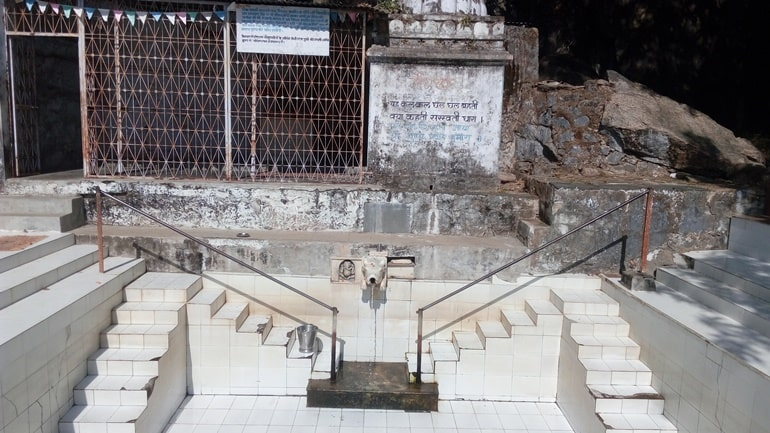 Mount Abu Ka Pramukh Dharmik Sthal Gaumukh Temple In Hindi