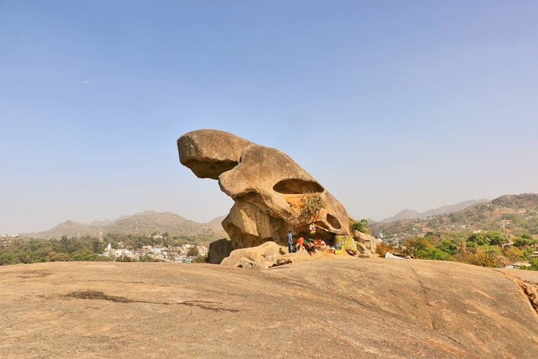 Mount Abu Ka Aakarshan Sthal Toad Rock In Hindi