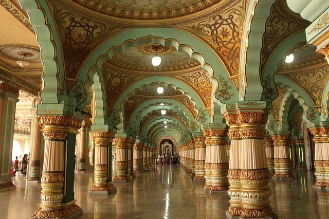 मैसूर पैलेस की संरचना - Architecture Of Mysore Palace In Hindi