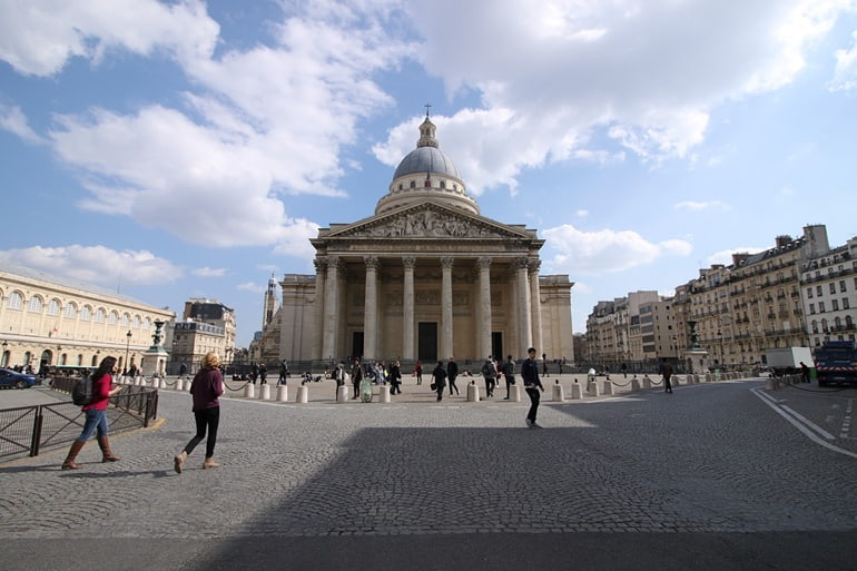Pantheon Paris In Hindi