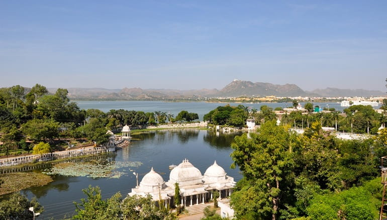 Pichola Lake In Hindi