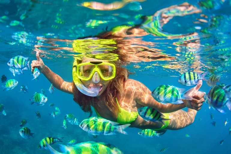 डाईविंग - Bharat Me Famous Adventure Activity Snorkelling And Scuba Diving In Hindi