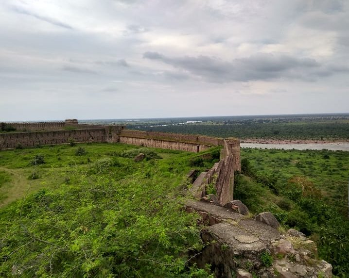 गुगोर किला घूमने जाने का सबसे अच्छा समय - Best Time To Visit In Gugor Fort In Hindi