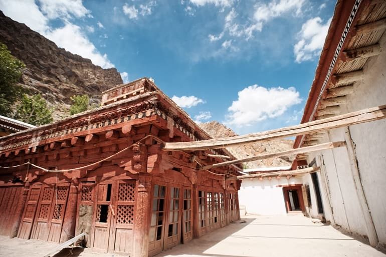 Tips For Visiting Hemis Monastery In Hindi