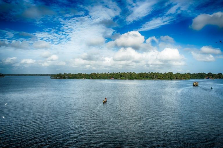 अष्टमुडी झील – Ashtamudi lake In Hindi