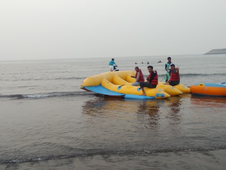 मंडवा बीच अलीबाग अलीबाग – Mandwa Beach Alibaug in Hindi