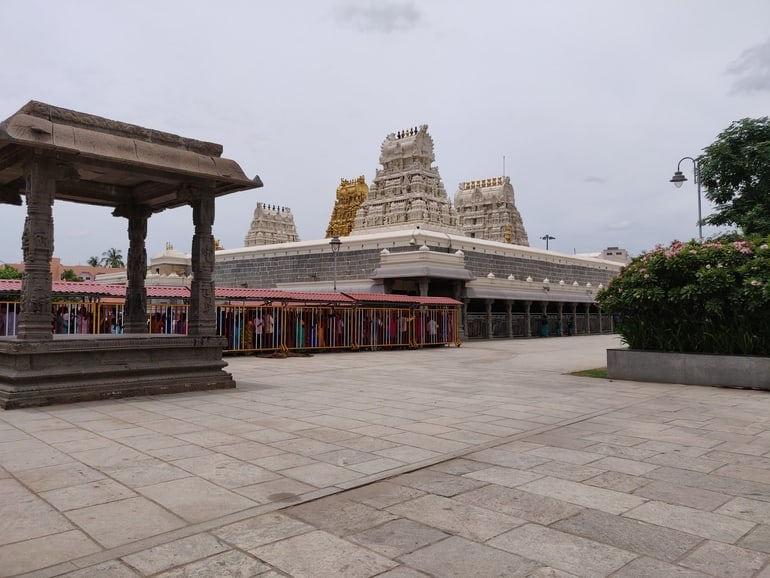 उलगालंथा पेरुमल मंदिर – Ulagalantha Perumal Temple Kanchipuram in Hindi