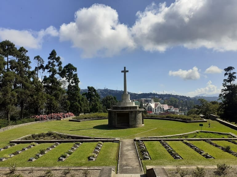 कोहिमा युद्ध कब्रिस्तान - Kohima War Cemetery, Kohima in Hindi