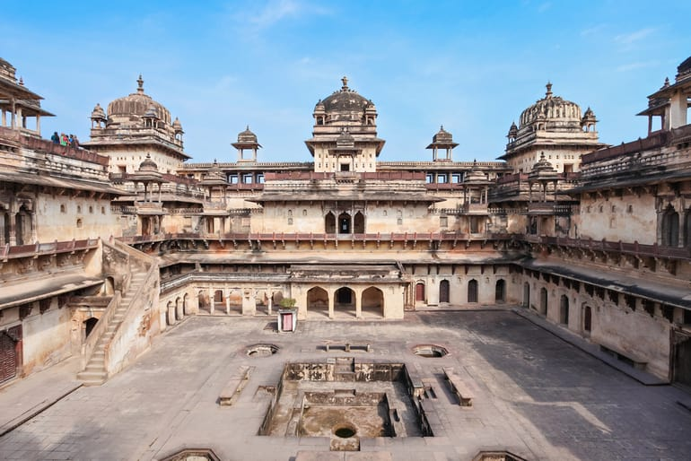 ओरछा किला - Orchha Fort in Hindi